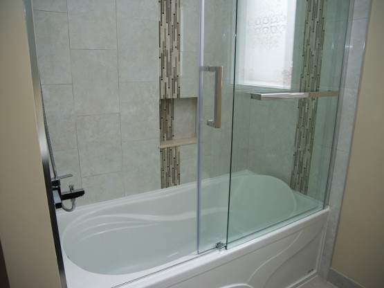 Bathroom Renos Warbler Lane Mississauga Contractors Bath Tub Nook Niche Vertical Borders Sliding Frameless Glass Door By Adept Services Renovation contractor