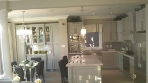 Kitchen Renovation Pendant Lights Custom Cabinets Stoney Creek Breakfast Counter Stainless Steel Appliances